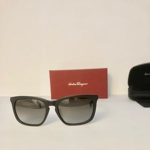 Salvatore Ferragamo Sunglasses Uni-Sex